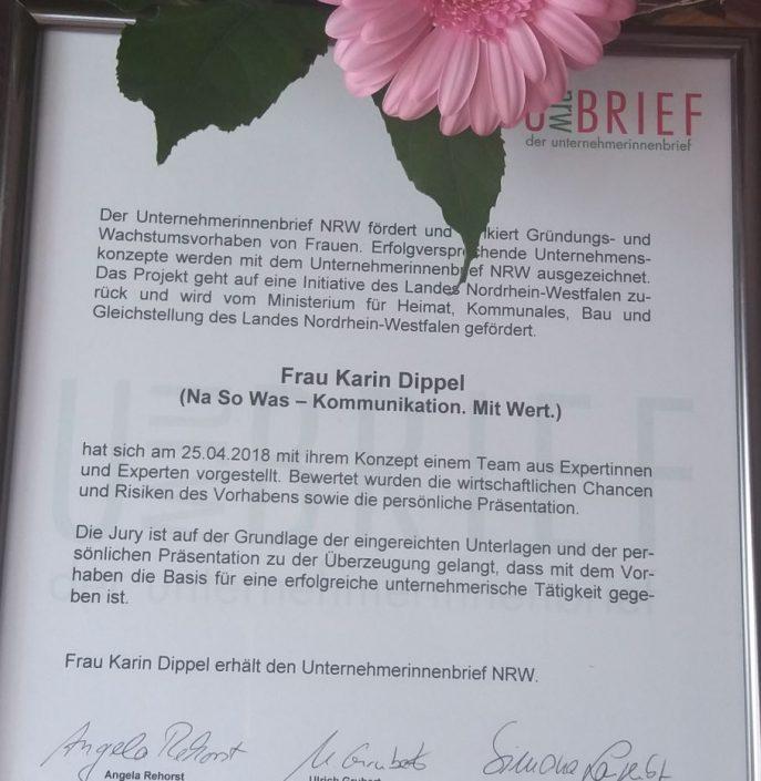 Texter Bielefeld: Karin Dippel von der Text-Agentur NA SO WAS in Enger wurde am 25.4.2018 mit dem Unternehmerinnenbrief ausgezeichnet, der vom Ministerium für Heimat, Kommunales, Bau und Gleichstellung des Landes Nordrhein-Westfalen gefördert wird.